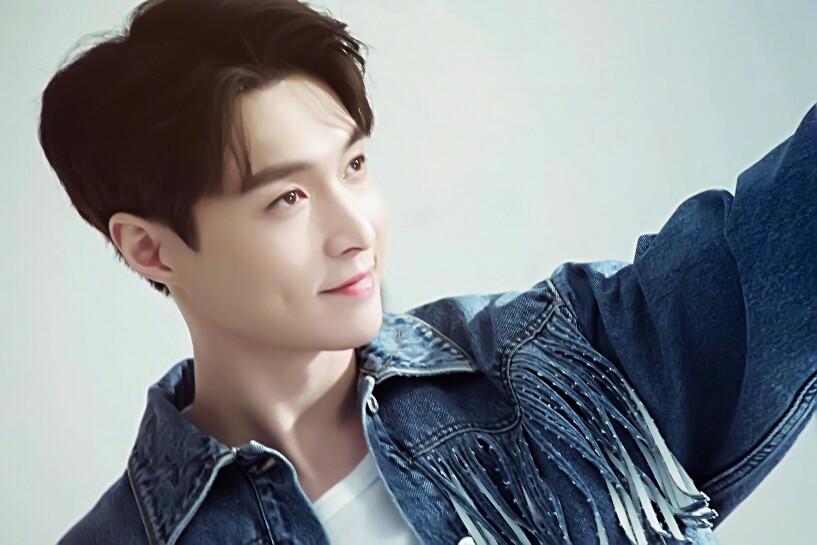 张艺兴专辑《莲》上线腾讯音乐娱乐集团连刷9项记录
